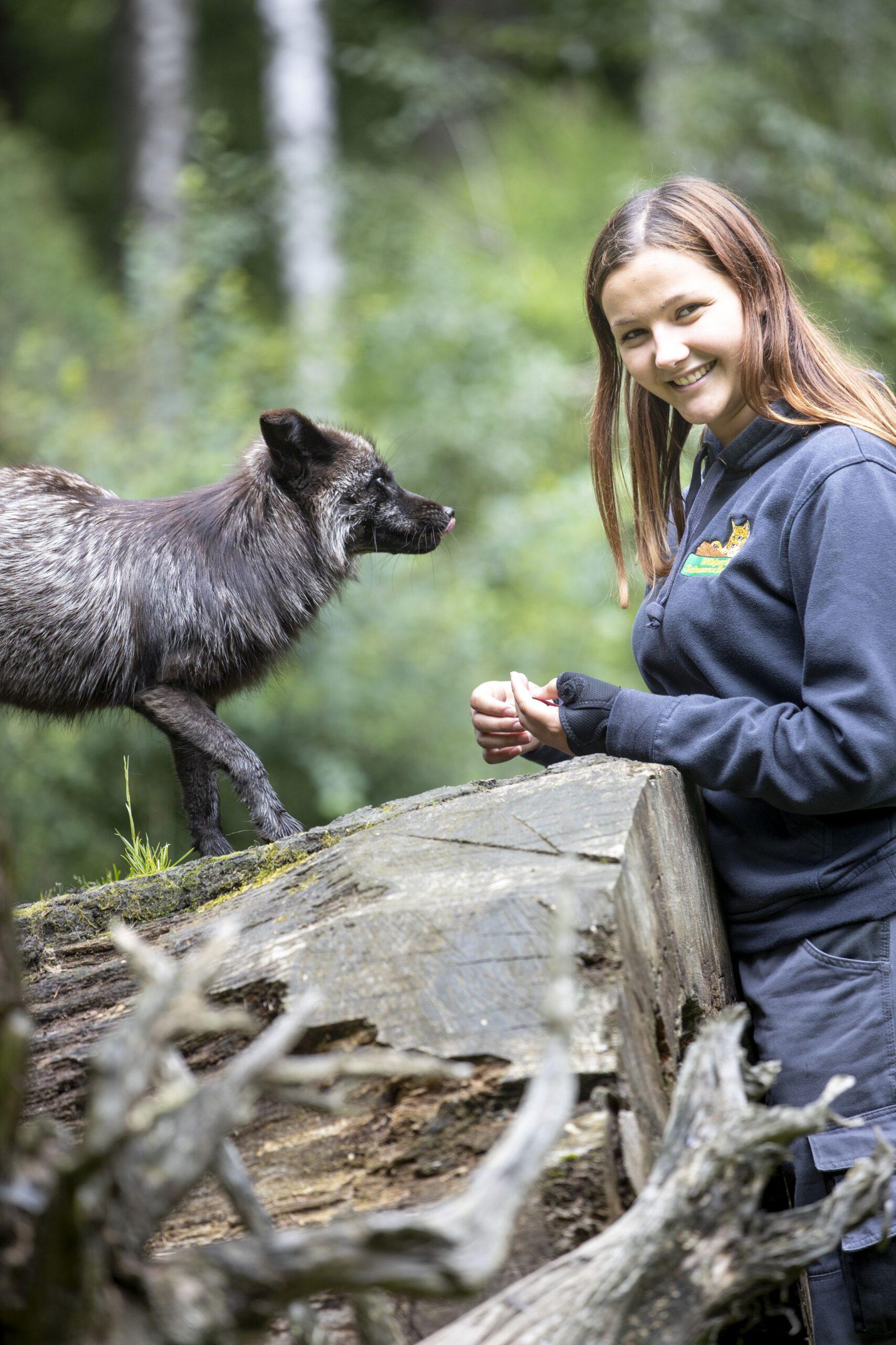 Moin Future Jennifer Vaubel 19 Tierpflegerin mit Silberfuchs Mogli