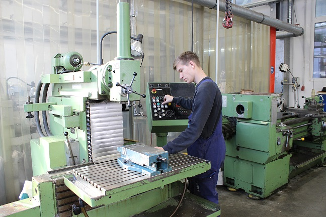 Ausbildung zum Industriemechaniker Emder Werft